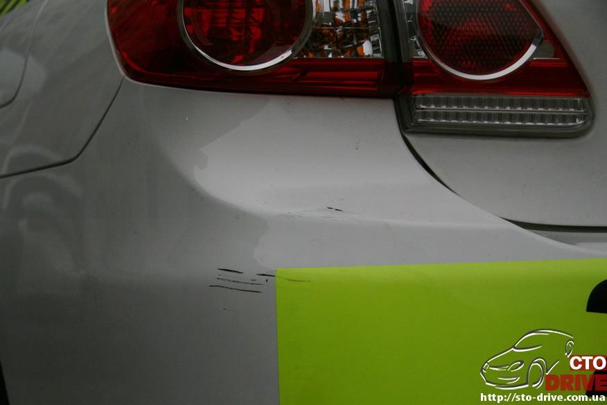 toyota corolla lokalnyiy remont bamperov 0056 Toyota Corolla   локальный ремонт бамперов