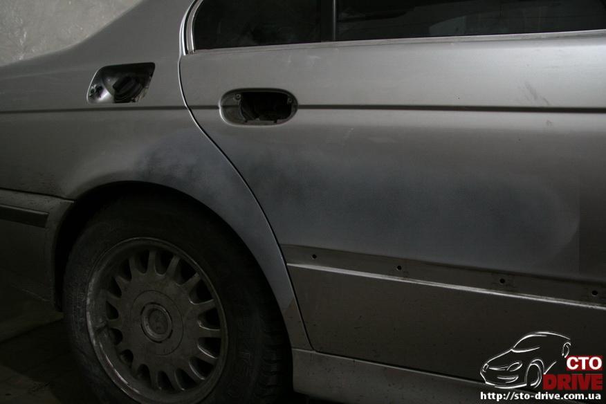 kuzovnoy-remont-bmw-e39-rihtovka-pokraska-avtomobilya-v-kieve_2506