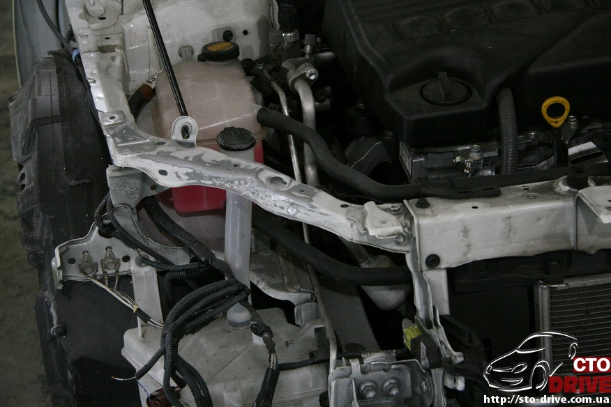 toyota corolla pokraska kryila kapota remont bampera 2050 Toyota Corolla   покраска крыла, капота, ремонт бампера