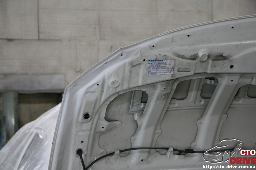 toyota corolla pokraska kryila kapota remont bampera 2290 Toyota Corolla   покраска крыла, капота, ремонт бампера