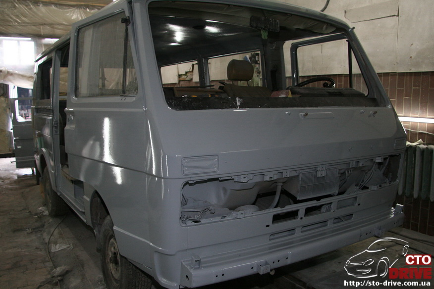 polnaya pokraska mikroavtobusa volkswagen lt 28 0753 Полная покраска микроавтобуса   Volkswagen LT 28. Капремонт двигателя. Антикоррозийная обработка