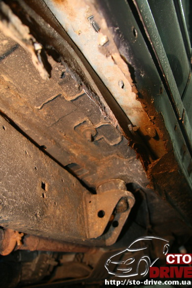 remont porogov ford explorer tolko svarochnyie rabotyi 6702 Ремонт порогов   Ford Explorer. Только сварочные работы