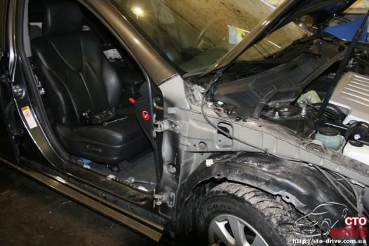 rihtovka dveri stoyki zamena kryila pokraska avto toyota camry 6278 526x350 custom Рихтовка двери, стойки, замена крыла, покраска авто   Toyota Camry