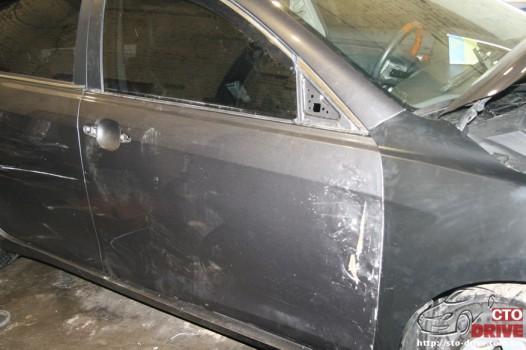 rihtovka dveri stoyki zamena kryila pokraska avto toyota camry 6282 526x350 custom Рихтовка двери, стойки, замена крыла, покраска авто   Toyota Camry