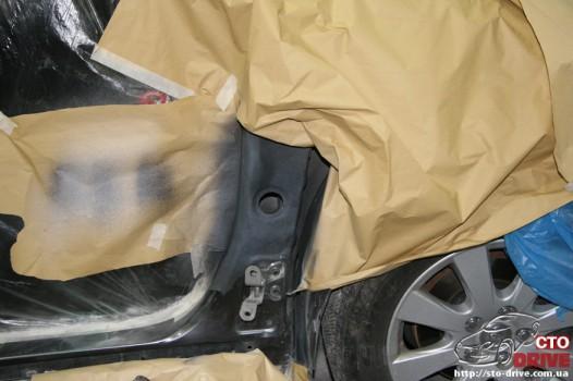rihtovka dveri stoyki zamena kryila pokraska avto toyota camry 6553 526x350 custom Рихтовка двери, стойки, замена крыла, покраска авто   Toyota Camry