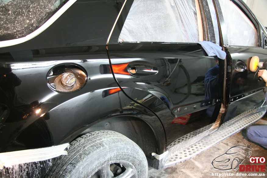 rihtovka pokraska dverey i zadnego kryila mercedes ml350 7995 Рихтовка, покраска дверей и заднего крыла   Mercedes ML350