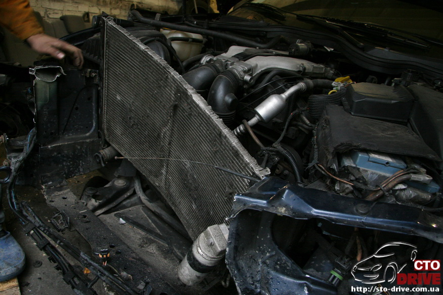 rihtovka pokraska opel omega 2323 Рихтовка, покраска авто   Opel Omega. Замена передней панели. Восстановление геометрии кузова
