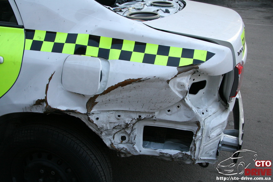 zamena zadnego kryila toyota corolla pokraska avto kiev 3594 Замена заднего крыла   Toyota Corolla. Покраска авто Киев