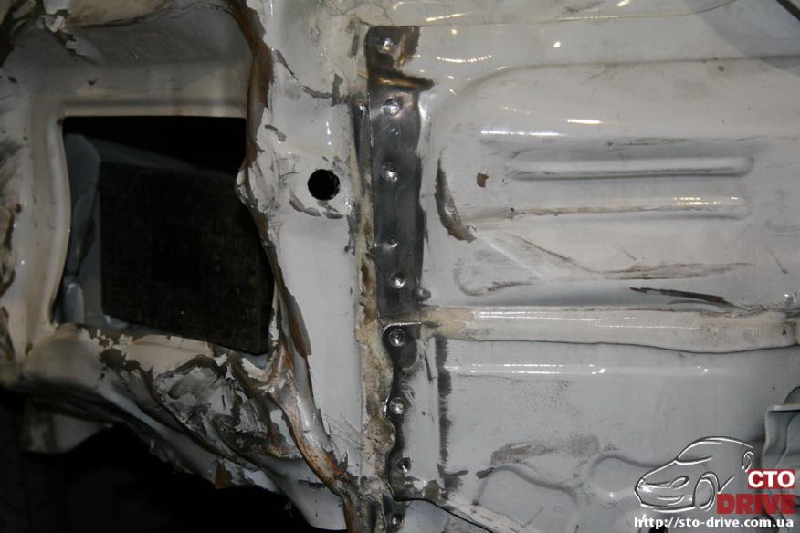 zamena zadnego kryila toyota corolla pokraska avto kiev 3628 Замена заднего крыла   Toyota Corolla. Покраска авто Киев