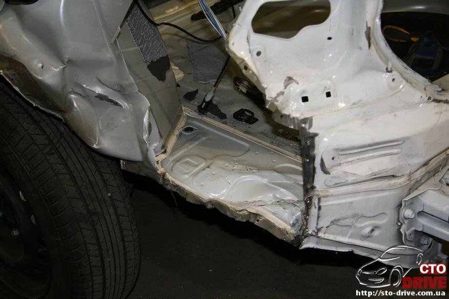 zamena zadnego kryila toyota corolla pokraska avto kiev 3646 Замена заднего крыла   Toyota Corolla. Покраска авто Киев