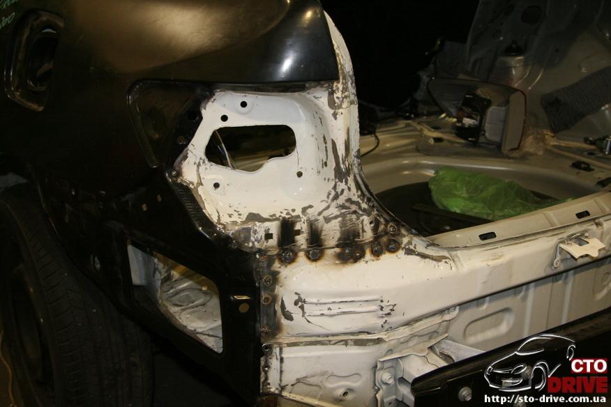 zamena zadnego kryila toyota corolla pokraska avto kiev 3789 Замена заднего крыла   Toyota Corolla. Покраска авто Киев