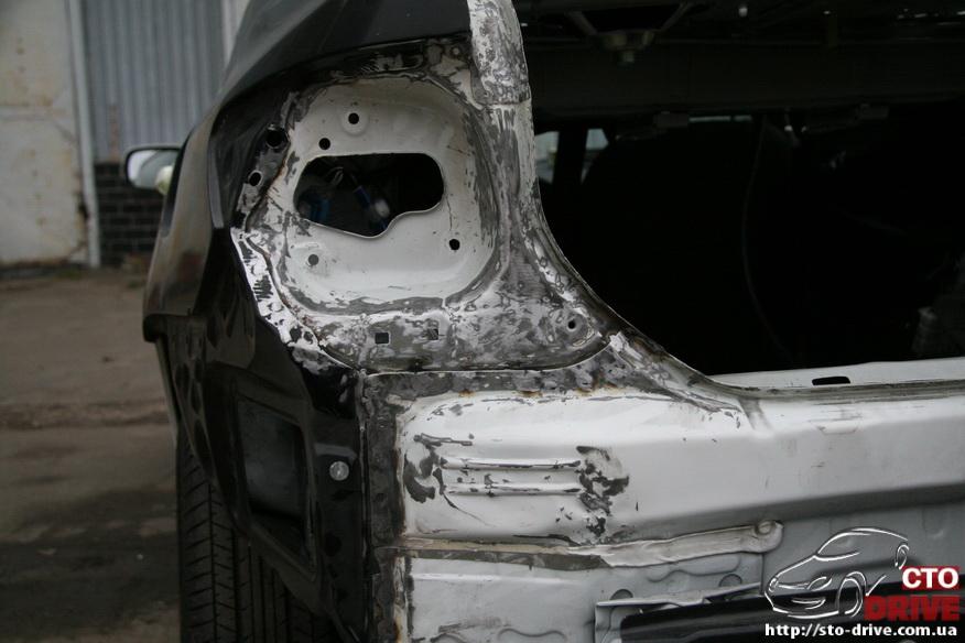 zamena zadnego kryila toyota corolla pokraska avto kiev 3849 Замена заднего крыла   Toyota Corolla. Покраска авто Киев