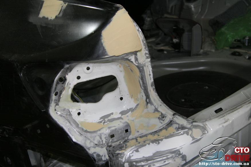 zamena zadnego kryila toyota corolla pokraska avto kiev 3895 Замена заднего крыла   Toyota Corolla. Покраска авто Киев