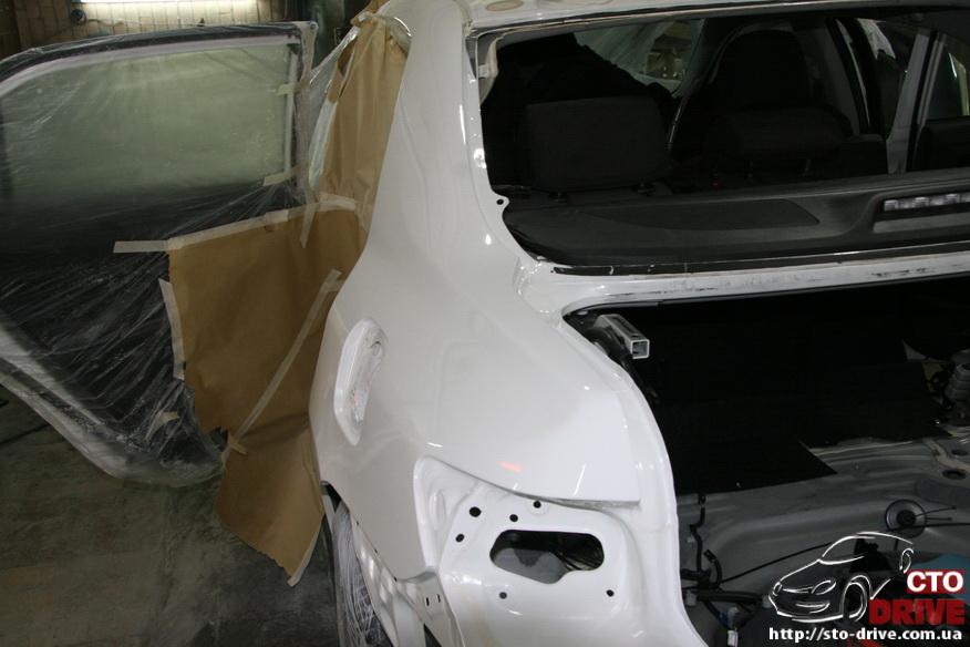 zamena zadnego kryila toyota corolla pokraska avto kiev 4034 Замена заднего крыла   Toyota Corolla. Покраска авто Киев