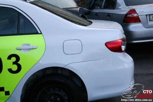 zamena zadnego kryila toyota corolla pokraska avto kiev 4189 526x350 custom Замена заднего крыла   Toyota Corolla. Покраска авто Киев